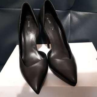 Sepatu Giacomina