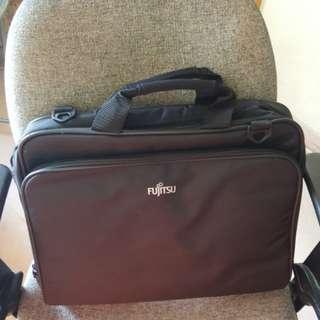 Fujitsu原裝電腦袋