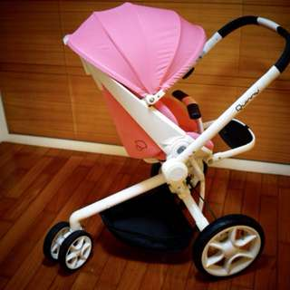 Quinny  Moodd 嬰兒推車買一送一(嬰兒座椅)+ CabrioFix 新生兒提籃 + FamilyFix 智慧型汽座底座