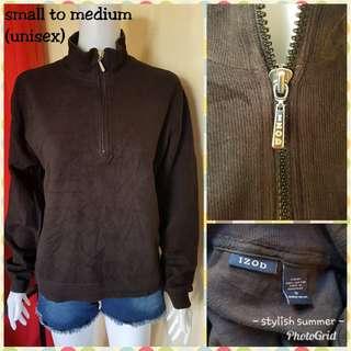 IZOD sweatshirt fits small to large (UNISEX)