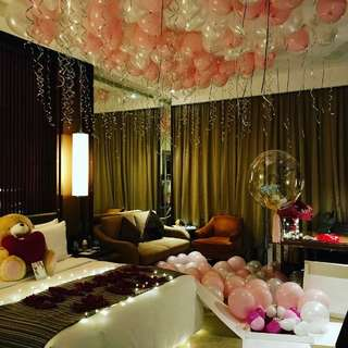 Wedding proposal room deco