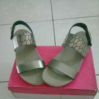 XM shoes