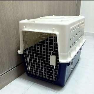 Large pet carrier