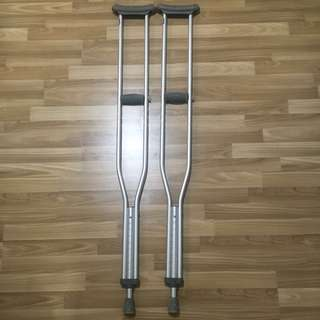 LIFE LINE AUXILLARY CRUTCHES