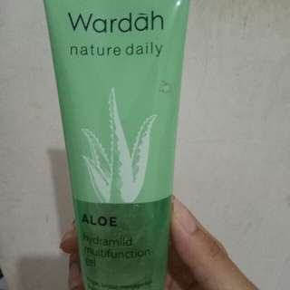 Wardah Nature daily (wardah aloe vera gel)