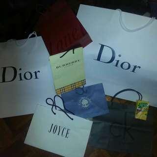 一堆名牌品牌紙袋,屯門交收