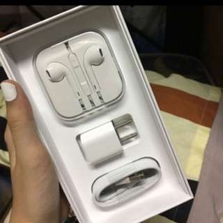 100% authentic iphone charger and earphones
