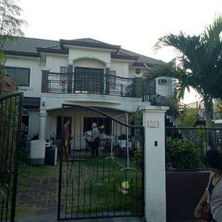 House and Lot for SALE! in Paranaque