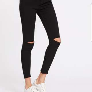 (INSTOCKS) Ripped Knee Frayed Bottoms Skinny Jeans