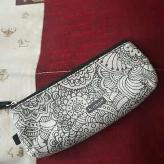 pouch / pencil case - kinbor