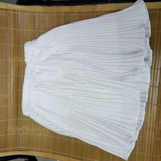 白色裙子 均碼