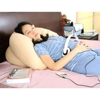 glowy pregnancy pillow