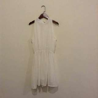 白色雪紡洋裝