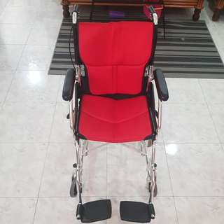 Brand new wheelchair use few times only condition 9.5 both wheel with brake and manual brake.no stain.no broken parts