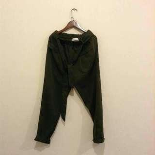 綠色九分褲