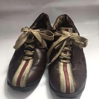 Preloved sepatu DSSD uk 43