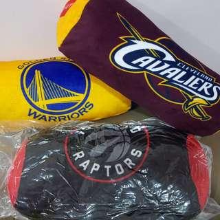 《全新未拆封》Toronto Raptors (多倫多暴龍) 百威 X NBA聯名圓形靠枕-暴龍隊