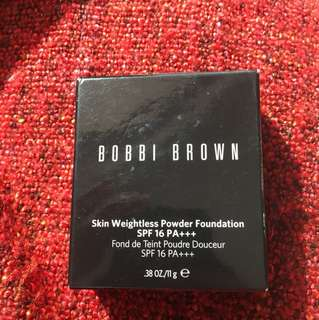 Bobbi Brown Skin Weightless Foundation