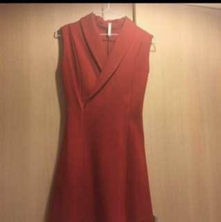 紅色西裝領無修洋裝