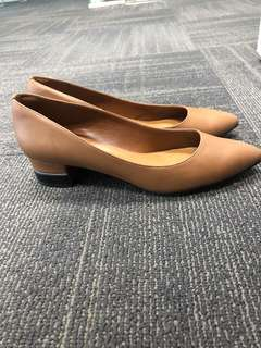 Charles & Keith Pointed toe court heels