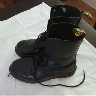 Black Dr. Martens Leather
