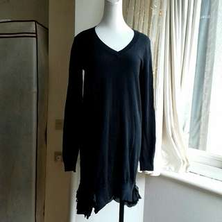 MOMA 蕾絲裙襬 V領彈性針織洋裝/長版衣