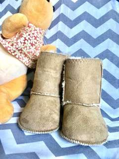 Pre-loved H&M soft and comfy booties