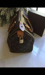 Louis Vuitton Speedy 25 Authentic