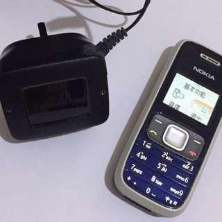 Nokia 電話,連原裝充電器,操作正常