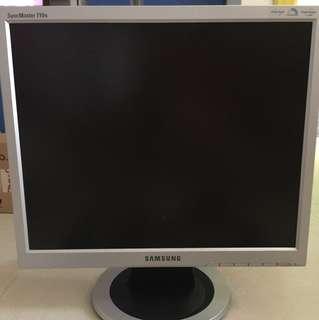 SAMSUNG Monitor 三星電腦顯示屏
