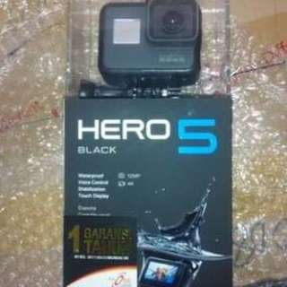 GoPro Hero 5 Black Like new