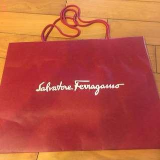 🚚 Ferragamo紙袋
