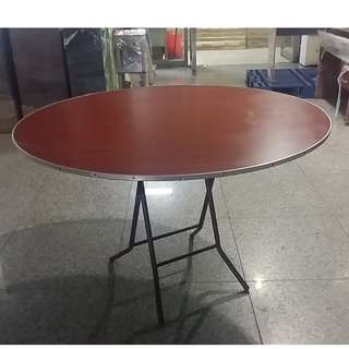 """ROUND FOLDABLE  TABLE 48"""" TAILEE FORMICA"""