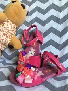 Pre-loved pink sandals for toddlers