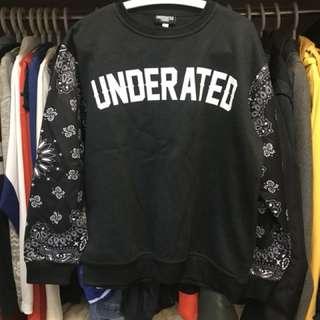Underated 大學T