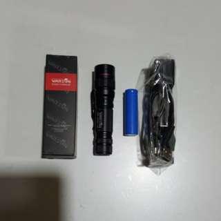 Led chargeable flashlight