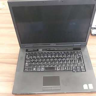 DELL VOSTRO 1510 (CASH ON DELIVERY AVAILABLE)