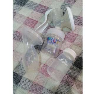 Avent Manual Breastpump with Silicone Breast Pump and Milk Storage