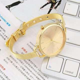 Fashionable Gold Quartz Watch