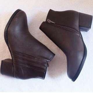 yhen boots