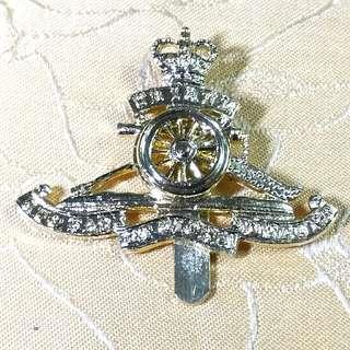 英國皇家軍團砲兵帽徽