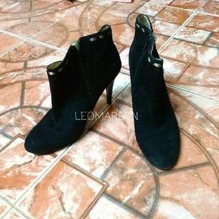 Nine West Black Ankle Stilleto Suede Boots