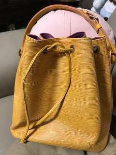 LV 樹文水桶手袋