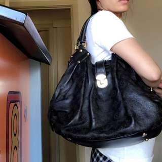 💯Authentic Louis VuittonMahina Large Noir Black Shoulder bag
