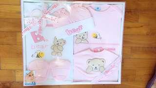 Brand new Benbeni bear newborn set