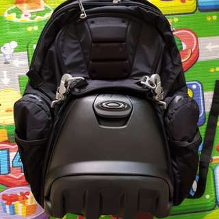 Rare Oakley lunchbox backpack