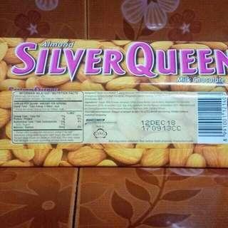 Silverqueen Cashew dan Almond