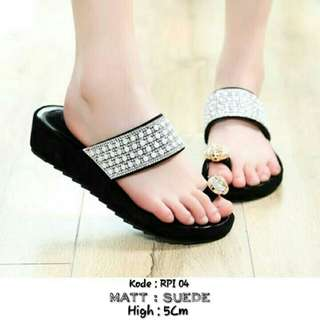 SALLE RPI 04  Bahan  suede tinggi 5Cm size.37-38