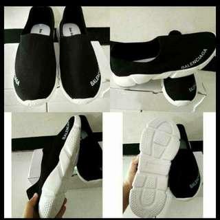 Sepatu balencia