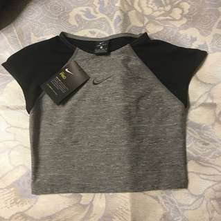 Nike pro dri-fit crop shirt (xs)